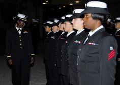 http://4.bp.blogspot.com/-dIZZlufUdWc/UXmfyavI4vI/AAAAAAAAGvE/Xa63fo98Bgo/s1600/US_Navy_081024-N-2565P-010_Ensign_Ebony_Miller_inspects_fema...