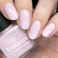 piCture pOlish Spring 2018 Shades Swatches and Comparisons - piCture pOlish Spring 2018 Shades Swatches and Comparisons >> Nail Polish Society You are in the rig - Gradient Nails, Uv Gel Nails, Diy Nails, Cute Nails, French Nails, French Manicures, Different Nail Designs, Picture Polish, Lip Makeup