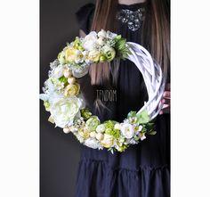 wianek na drzwi Bella casa Grapevine Wreath, Grape Vines, Bella, Floral Wreath, Wreaths, Decor, Floral Crown, Decoration, Door Wreaths