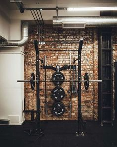 This week saw the launch of newly renovated Henrietta Street Gym in Birmingham's Jewellery Quarter. The building, named Derwent Works, was built in the Home Gym Garage, Diy Home Gym, Home Gym Decor, Gym Room At Home, Basement Gym, Organizar Instagram, Backyard Gym, Small Home Gyms, Gym Setup