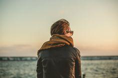 El mejor complemento contra el frío está a punto de ser un imprescindible en tu outfit diario ¿sabes cómo ponerte la bufanda?
