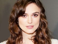 Keira Knightley Tribeca Film Festival 2014 1 What makeup artist Kate Lee (a. the master of barely there makeup) used to create this neut. Down Hairstyles, Cute Hairstyles, Wedding Hairstyles, Love Your Hair, Great Hair, Awesome Hair, Keira Knightley Makeup, Barely There Makeup, Keira Christina Knightley