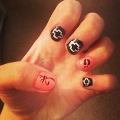 Awesome nails. Browning logo, Chevy emblem and deer tracks. Loving my nails right now.