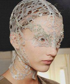 Alexander McQueen - headpiece or face covering Mode Bizarre, Alexandre Mcqueen, Mode Editorials, Fashion Art, Fashion Design, Fabric Manipulation, Headgear, Headdress, Flower Headpiece