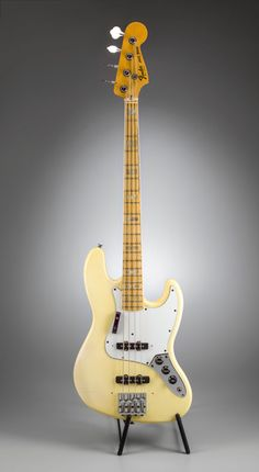 Bass Guitar - Always Aspired To Learn Guitar? Utilize These Tips Today! Custom Bass Guitar, Fender Bass Guitar, Fender Acoustic, Guitar Bag, Guitar Shop, Fender Guitars, Cool Guitar, Guitar Picks, Fender Telecaster
