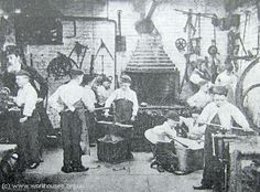 Young boy's at work. The Workhouse in St Pancras, London: Middlesex. my grandfather was sent to TS Elliot at Gosport. Victorian London, Vintage London, Old London, Victorian Era, Victorian History, Vintage Pictures, Old Pictures, Old Photos, Vintage Images