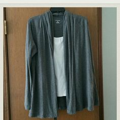 2/$10 Lightweight drapey open cardigan EUC Super soft lightweight cardigan perfect for spring and summer. Worn only a few times. Light pilling. White tank not included. Single item $8 or bundle with another 2/$10 marked item. Lands' End Tops Cardigans