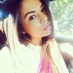 Light and natural makeup suits the gorgeous Janel Parrish. | Pretty Little Liars