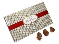 Está indeciso entre os bonecos de neve, os pinheiros e os azevinhos da Arcádia Casa do Chocolate? Temos a solução para si: a Colecção de Natal, uma caixa vintage que reúne as três embalagens destes bonitos e deliciosos chocolates.