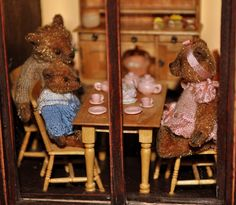 DSC_0408 Teddy Bear Shop, Teddy Bears, Gingerbread Cookies, Dollhouse Miniatures, Artisan, Toys, Animals, Paper Flowers, Gingerbread Cupcakes