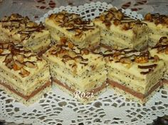 Rozi Erdélyi konyhája: Mákos krémes szelet Hungarian Desserts, Hungarian Recipes, Sweet Desserts, Sweet Recipes, Cake Bars, No Bake Treats, Winter Food, Baked Goods, Cookie Recipes
