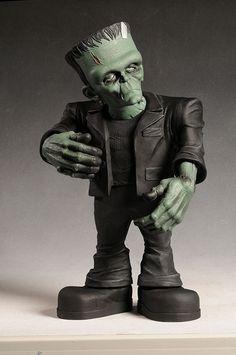 Monster Scale Frankenstein Monster by Mezco Toyz