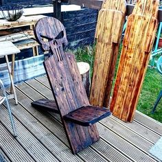 #ManCave, #OutdoorLiving, #PalletChair, #PartyDecor, #Patio, #RepurposedPallet I have been making these Pallet Viking Chairs for a while and really enjoy them a lot. They're much more comfortable to sit in and are more attractive than a recliner-style seat. Plus, they're easy to move! Make yourself a set of these Pallet