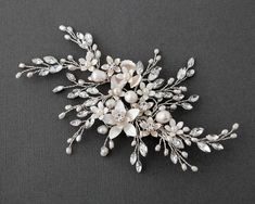 Large Wedding Comb of Ivory Pearl and Crystal Sprays Rhinestone Branches Bridal Headpiece Backpiece – Vine Ideas Pearl Headpiece, Bridal Hair Vine, Bridal Comb, Wedding Hair Clips, Bridesmaid Jewelry Sets, Hair Beads, Metal Flowers, Or Rose, Rose Gold
