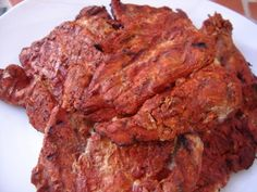 This is a traditional Nicaraguan Marinade made with achiote, a slightly sweet and peppery spice. You can find it in a paste or powder form. Nicaraguan Food, Pork Recipes, Mexican Food Recipes, Cooking Recipes, Beef Recepies, Achiote Chicken, Achiote Recipe, Mackerel Recipes, One Pot Dinners