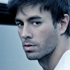 https://songsbling.info/singer/download-enrique-iglesias-1-songs.html Enrique Iglesias is a one of most popular Spanish singer, writer and actor. Enrique is considered as King of Latin Pop. Enrique has sold 159 records all around the world. #EnriqueIglesias #songsbling
