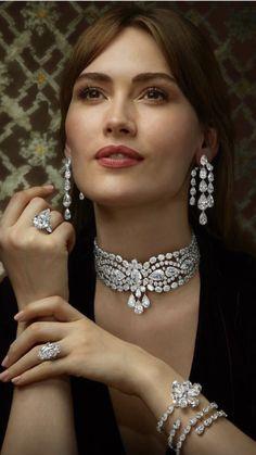 Diamond Pendant Necklace, Diamond Jewelry, Gold Jewelry, Diamond Earrings, Vintage Jewelry, Jewelry Necklaces, Fine Jewelry, Women Jewelry, Jewellery Box