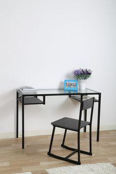 Office Desk & Chair Set on Foffer