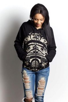 sweater with native flare and ripped jeans, lovely Native American Fashion, Native Fashion, American Women, Runway Fashion, Fashion Outfits, Womens Fashion, Native Style, Native Art, Cool Hoodies