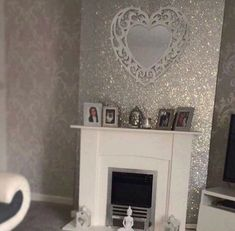 Fine 35 Inspiring Glitter Wall Paint to Make Over Your Room Glitter Bedroom, Glitter Paint For Walls, Sparkle Paint, Glitter Vinyl, Glitter Wallpaper, Wall Spaces, Paint Designs, Beautiful Bedrooms, Home Decor Accessories