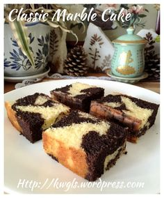 Classic Marble Cake (古早味云石蛋糕) Posted on May 2015 by Kenneth Goh Marble Cake Recipes, Sponge Cake Recipes, Pound Cake Recipes, Pound Cakes, Delish Cakes, Delicious Cake Recipes, Dessert Recipes, Marbel Cake, Chocolate Butter Cake
