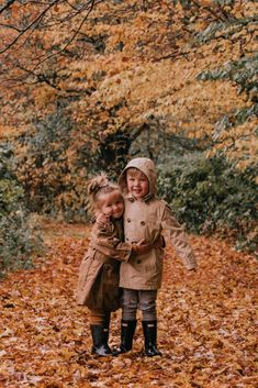 A Rainy Day in Vermont & 12 Things - Barefoot Blonde by Amber Fillerup Clark Little Babies, Little Ones, Cute Babies, Baby Kids, Baby Boy, Cute Family, Baby Family, Family Goals, Barefoot Blonde