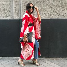 "2,200 mentions J'aime, 84 commentaires - Laura Eguizabal (@laura_eguizabal) sur Instagram : ""In ❤️ with my new Japanese Kimono by @lulumariekimonostudio #moda #fashion #style #stylish #estilo…"""