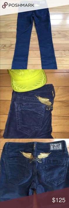 """100% Authentic Robin's Jean Size 25 W/ Free Gift Hello you will receive same item as seen in photos Robin's Jean Size: 25 inseam 33"""" With free Robin's Jean SATIN Cap 3D LEAF Adjustable Cap retail $69 Tags cut by manufacture 100% Authentic  #ss1 """"SATIN WITH 3D LEAF"""" cap in Satin with 3D leaf and signature wings"""" retail $69 ROBIN CHRETIEN FOUNDER/DESIGNER Robin Chretien, Founder and Designer of Robin's Jean was born in Lyon, France where he grew up immerse Robin's Jean Pants"""