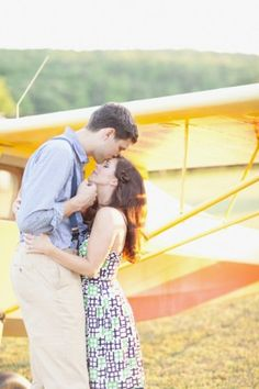 Vintage airplane engagement session   photography by http://www.greentreephotography.net/