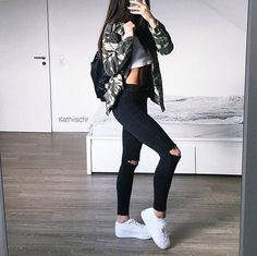 Find and save ideas about outfit trends on Women Outfits. Trendy Fall Outfits, Edgy Outfits, Mode Outfits, Fashion Outfits, Look Fashion, Teen Fashion, Korean Fashion, Womens Fashion, Fall Fashion