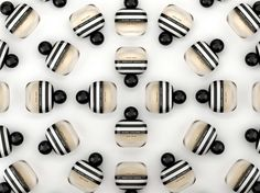 Marc Jacobs Mod Noir on Packaging of the World - Creative Package Design Gallery