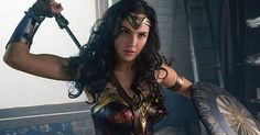 7 Moves to Get Wonder Woman Arms by August