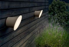 The Luceplan Ecran In&Out Wall Light is a fixture for indoor or outdoor use designed by Inga Sempe. Outdoor Wall Lamps, Led Wall Lamp, Outdoor Lighting, Lighting Ideas, Light Shoot, Exterior Wall Light, Light Images, Garden Images, Indoor Outdoor