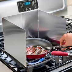The Splatter Shield Surrounds Food To Protect Walls From Splatters. The Splatter  Shield Has 3 Folding Panels To Protect Stove And Walls From Stains.