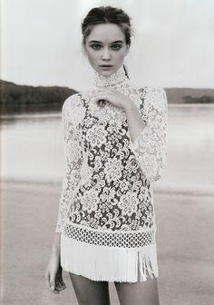Magazine: Vogue Australia, April 2010  Model: Rosie Tupper  Photography: Nicole Bentley (994×1417)