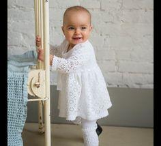 ♥ ♥ ♥  *Bequemes Kleidchen für süße Baby-Prinzessin:) Aus purer weicher Baumwolle in brigit weiß oder flauschiger Merinowollein natur weiß hergestellt, sorgt für ausgezeichnetes und angenehmes...