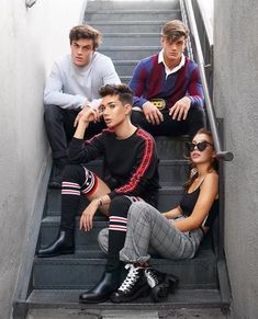 Dolan Twins, James Charles, and Emma Chamberlain Dolan Twins Wallpaper, Dollan Twins, Emma James, Ethan And Grayson Dolan, Ethan Dolan, My Bebe, Emma Chamberlain, Twin Sisters, Best Friend Goals