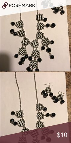🎉🎉Sale Necklace with earrings Necklace with earrings black/white chevron Jewelry Necklaces