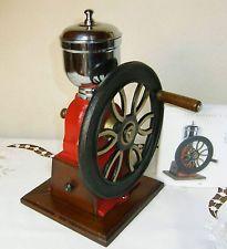 Original Spanische Kaffeemühle mit Schwungrad Guss,Metall guter Zstd.unbenutzt