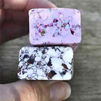 Create your own faux granite/marble polymer clay millefiori canes using dry and crumbly leftovers for a gorgeous realistic stone/rock effect!