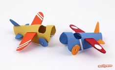 Toilet Roll Aero plane - Toilet Paper Roll Crafts For Kids Kids Crafts, Easy Diy Crafts, Projects For Kids, Diy For Kids, Crafts To Make, Toilet Roll Craft, Toilet Paper Roll Crafts, Cardboard Crafts, Kids Toilet