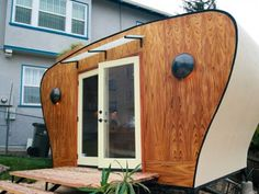 """Sustainsia's Eco-Workpod: Portable Office Shed Is """"All About The Curves"""""""