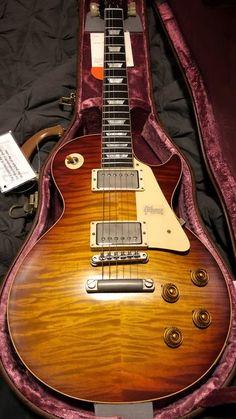 Guitar Art, Music Guitar, Cool Guitar, Vintage Electric Guitars, Vintage Guitars, Gary Richrath, Cool Car Pictures, Les Paul Guitars, Les Paul Standard