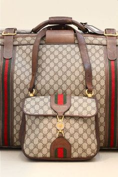 Today we are going to make a small chat about 2019 Gucci fashion show which was in Milan. When I watched the Gucci fashion show, some colors and clothings. Luxury Bags, Luxury Handbags, Fashion Handbags, Purses And Handbags, Fashion Bags, Mk Handbags, Gucci Handbags Sale, Gucci Purses, Women's Fashion