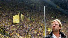 """Klopp: """"Já sei que, quando deixar o Dortmund, sentirei falta desta torcida fantástica"""" http://trivela.uol.com.br/klopp-ja-sei-que-quando-deixar-o-dortmund-sentirei-falta-desta-torcida-fantastica/…"""