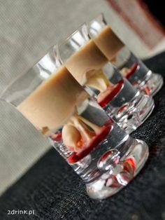 Shot Małpi Mózg, który robi piorunujące wrażenie wizualne. Małpi Mózg to shot, który wygląda naprawdę imponująco, ale jego zrobienie wbrew pozorom jest naprawdę łatwe. Cały sekret tkwi w tym, że po... Cocktail Drinks, Alcoholic Drinks, Beverages, Cocktails, Keto Diet For Beginners, Diy Food, Liquor, Vodka, Keto Recipes