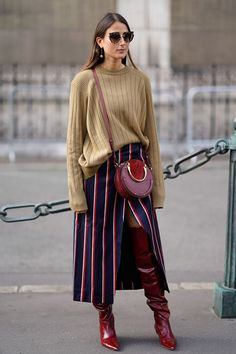 The best street style at Paris Fashion Week - Street Style Outfits Best Street Style, Cool Street Fashion, Casual Street Style, Street Style Looks, Street Chic, Paris Street, Street Style Fashion 2018, Street Styles, Trendy Style