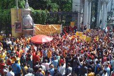 Galatasaray Fans on Taksim, Istanbul Istanbul, Dolores Park, Turkey, Fans, Travel, Peru, Voyage, Viajes, Followers