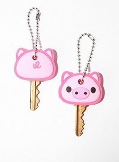 Piggy key cover-- too cute Pet Pigs, Baby Pigs, This Little Piggy, Little Pigs, Piggly Wiggly, Pig Pen, Mini Pigs, Cute Piggies, Flying Pig