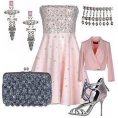 Volete scintillare? Ecco un suggerimento perfetto per una cerimonia o un'occasione speciale. Il rosa cipria può diventare luminoso con gli accessori giusti.